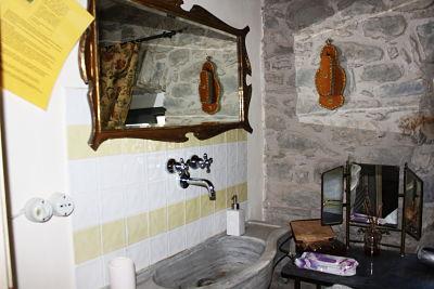 dopo la ristrutturazione: camera l'ulivo. Il bagno