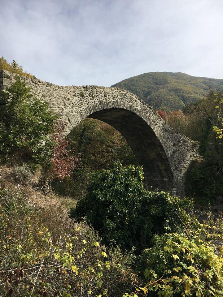 Via Francigena: ponte medievale in località Groppodalosio
