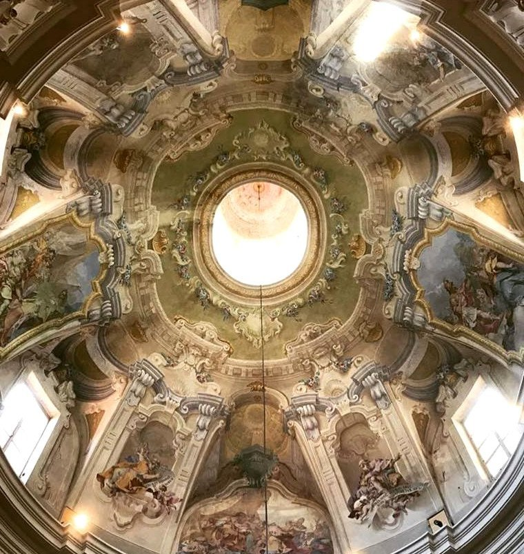 Oratorio di Nostra Donna: l'interno decorato della cupola