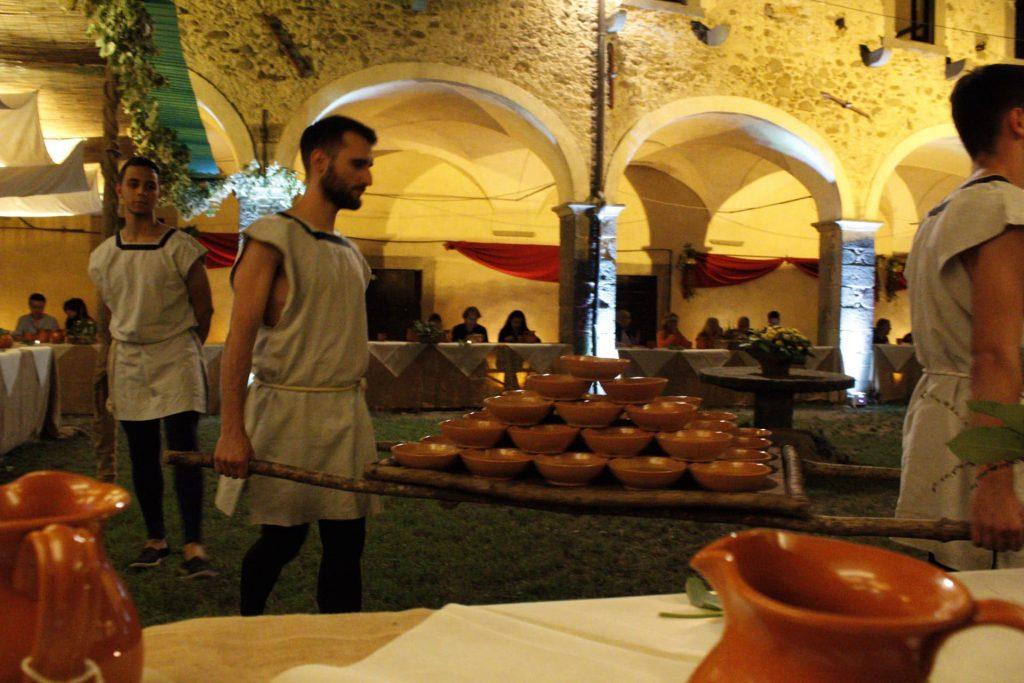 Vivandieri al mercato medievale di Filetto
