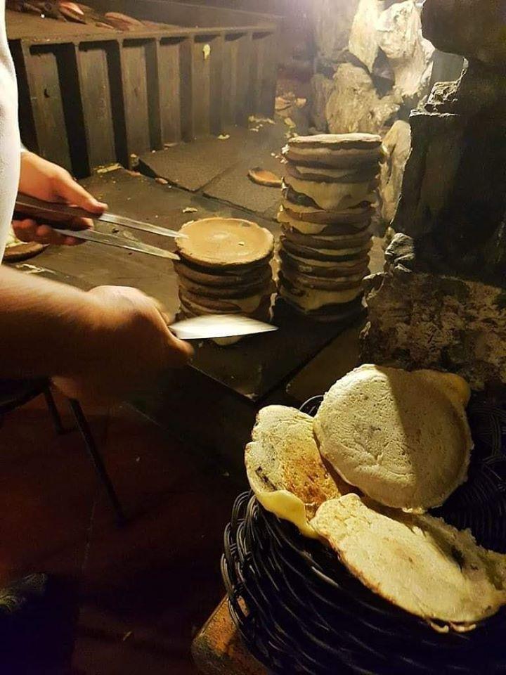 Il processo di produzione del panigaccio della Lunigiana